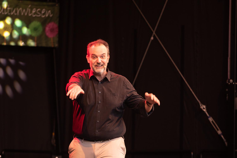 Kabarettist René Steinberg auf den Kulturwiesen 2020. Foto: A. Hasenkamp.