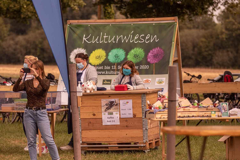 Picknickkisten am Stand von Münsterland e.V. - vor Ort präsent bei den Kulturwiesen. Foto: A. Hasenkamp, www.fotograf-muensterland.de