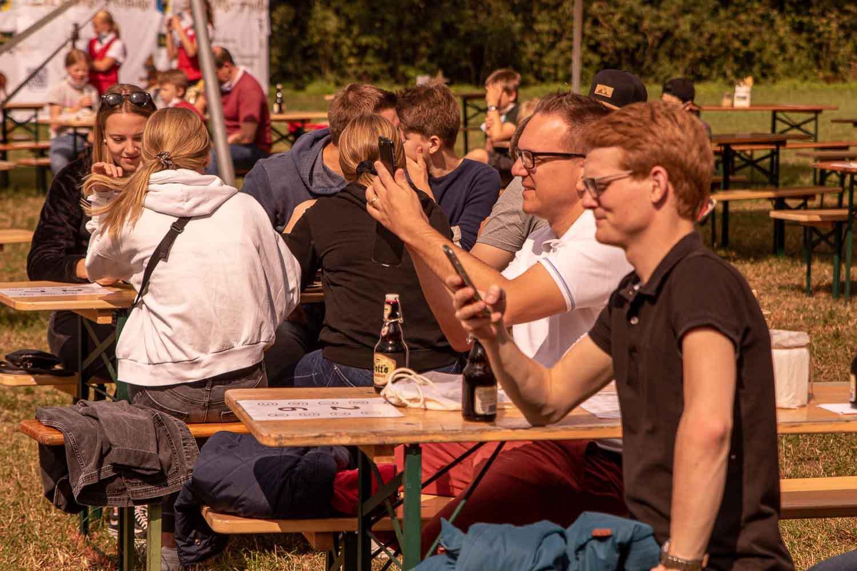 Blick von der Bühne der Kulturwiesen auf das Publikum beim ersten Picknick auf Wettendorf 1. Fotograf: Andreas Hasenkamp, www.fotograf-muensterland.de