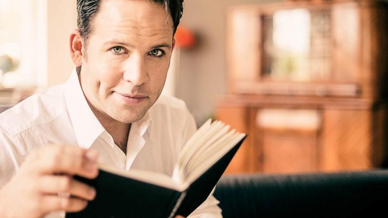 Christoph Tiemann im Portrait. Foto: Hanno Endres.