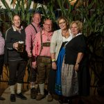 Tanzversessene Amelsbürener feiern Oktoberfest 8