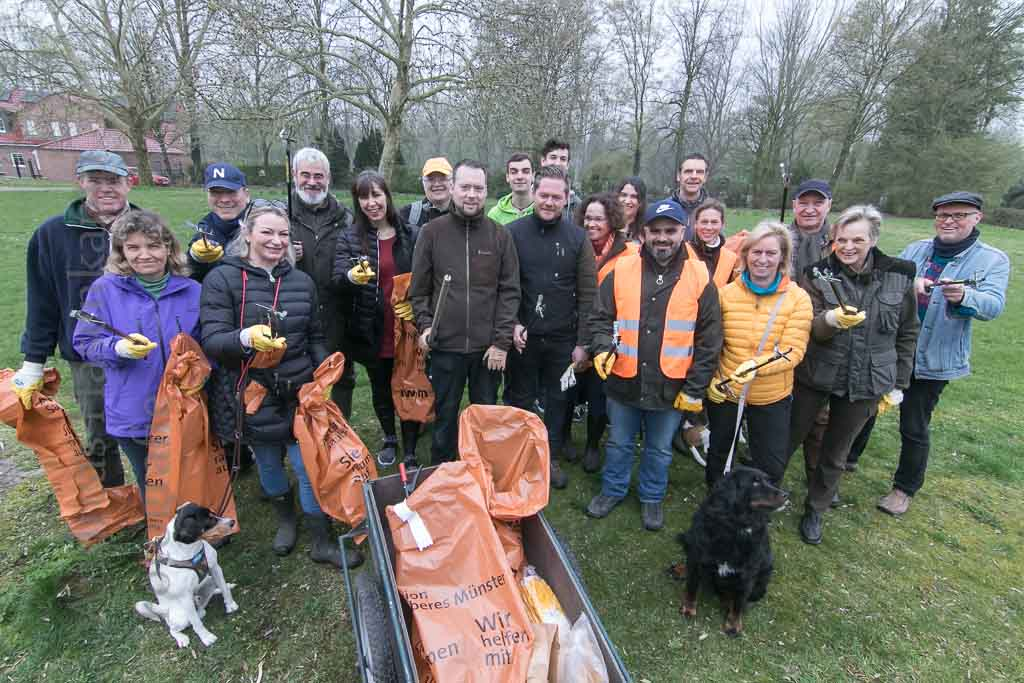Mit Spürnasen dem Müll hinterher Aktion Sauberes Münster zu Wasser und zu Lande mit Spürnasen