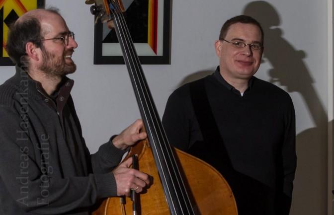 """Arne Tigges und Guido Neumann bei der Vor- und Aufführung von """"Musik zum laufenden Bild"""". Foto: A. Hasenkamp, Fotograf in Münster."""