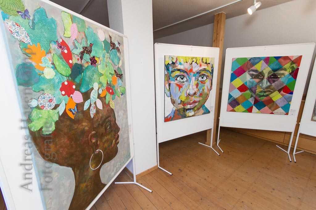 Frauen aus Holz, Portraits aus Augen 4
