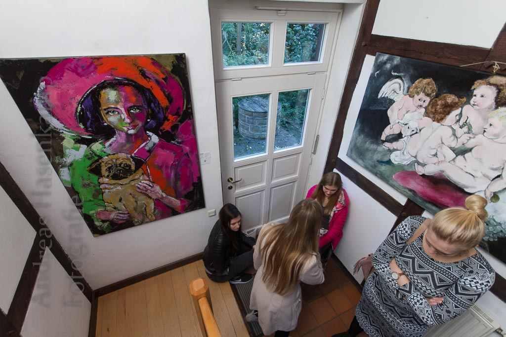 Frauen aus Holz, Portraits aus Augen 6