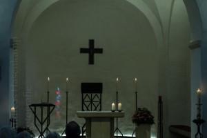 Altarraum in St. Agatha in Münster-Angelmodde während der Vesper.