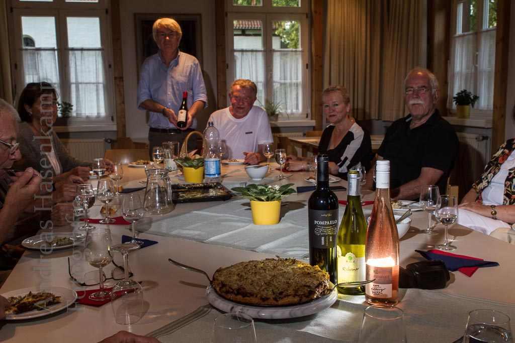 Gespräche beim Wein 2