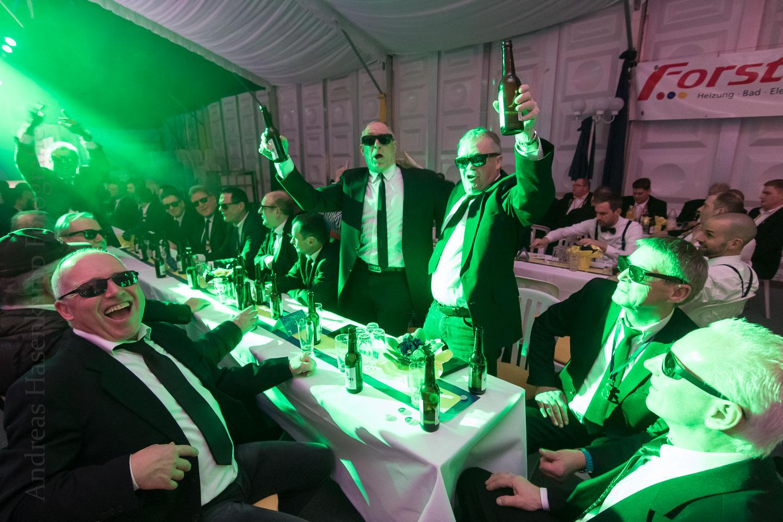 Bocknacht-Experiment geglückt – zufriedene Männer rocken ab