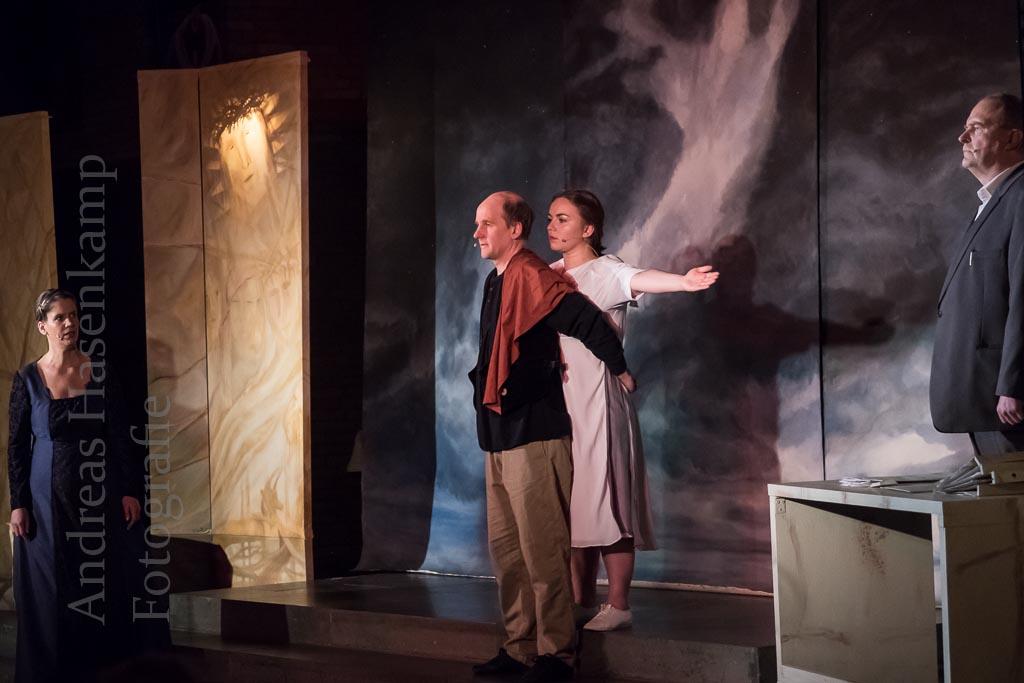 Die Frau des Pilatus: Aus einem Satz ein Theaterstück 2