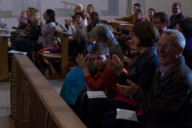 Mitmach-Konzert in St. Ida der Gemeinde St. Nikolaus Münster mit Lehrern der Musikschule Wolbeck. Foto: A. Hasenkamp, Fotograf in Münster.