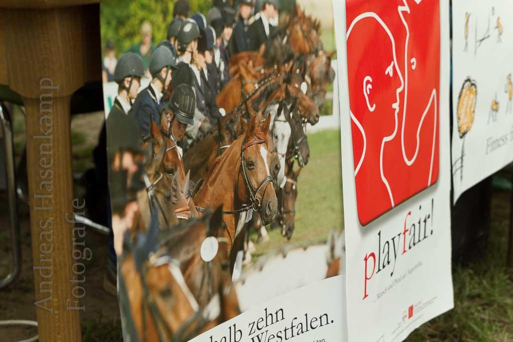 Pferdefreunde mit Sport und Polit-Talk für Jugendliche. 11