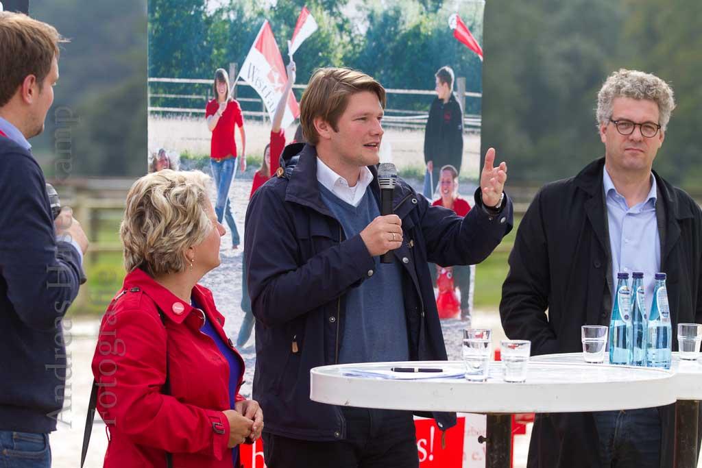 Pferdefreunde mit Sport und Polit-Talk für Jugendliche. 6