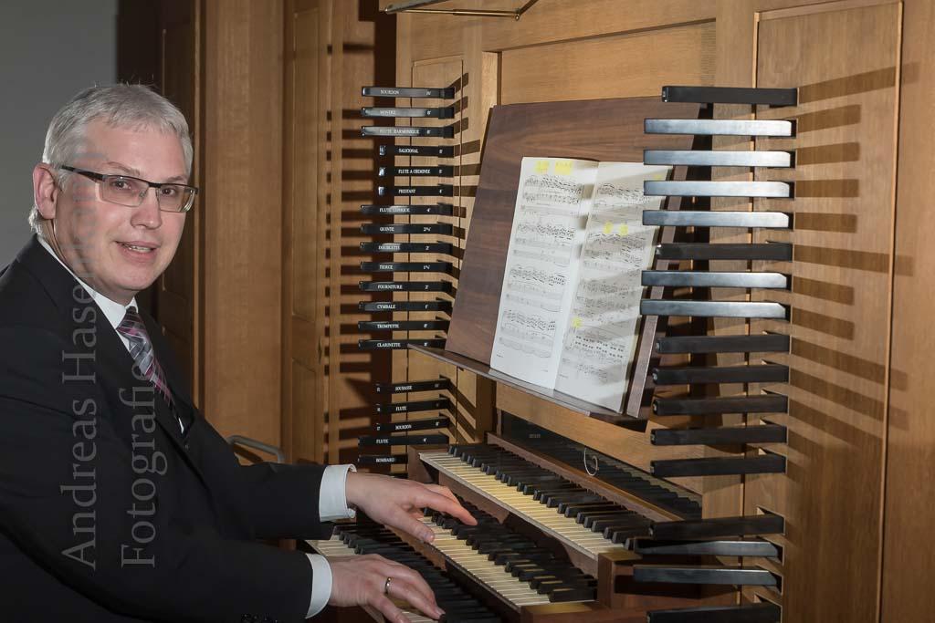 """Orgelwochen enden mit schöner Toccata und """"Mit Fried und Freud ich fahr dahin"""" 12"""