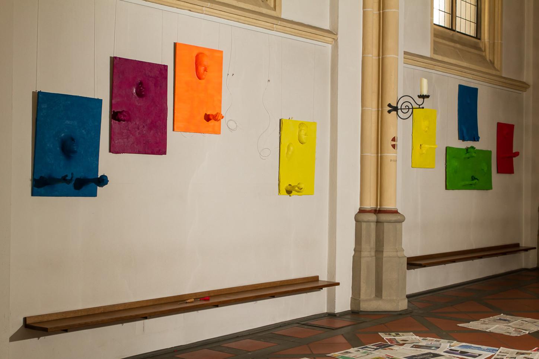 Aktionskunst verwandelt am Karsamstag Ausstellung in der St. Joseph-Kirche 60