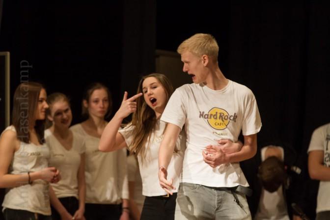 Impro-Theater am Kant-Gymnasium mit der Literatur-Kurs. Foto: A. Hasenkamp, Fotograf in Münster.