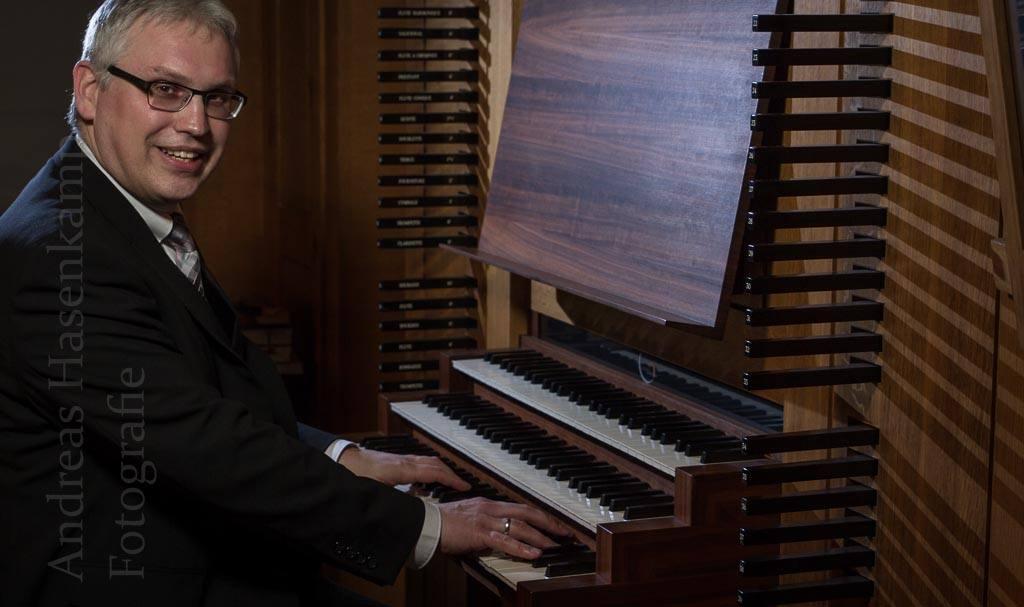 Orgelkonzert mit Werken von Alain, Franck, Vierne und Boelman in St. Clemens, Hiltrup, mit dem Organisten Henk Plas. Foto: A. Hasenkamp, Fotograf in Münster.