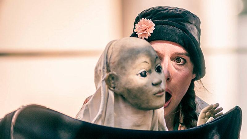 """Zweite Runde der Kindertheaterreihe """"Roter Hund"""" am 11. Juli: Les Petits Délices aus Belgien zeigen fast ohne Worte die berührende Geschichte """"Koffer für 2"""". Foto: Philippe Robichon."""