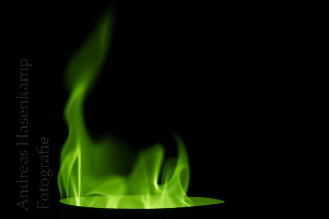 Chemisches Leuchten: Chemiker zeigt bei Kinder-Uni Experimente rund um Licht