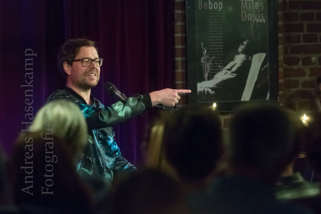 Komische Nacht lockt mit Wortwitz, Musik und auch mal platter Komik