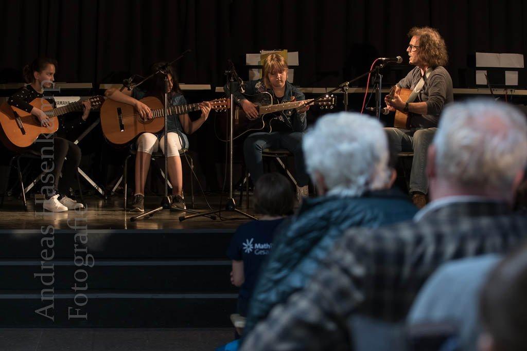 """Mathilde-Ameke-Gesamtschule: Erster """"Bunter Abend"""" mit vollem Programm 30"""