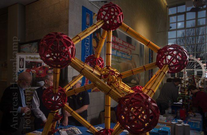 Modellbauer aus NRW zeigen Fischertechnik-Kreationen im Handwerksbildungszentrum Münster 4