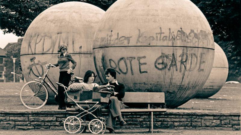 Pool Balls mit ersten Graffiti, Juli 1977 Foto: Berthold Socha.
