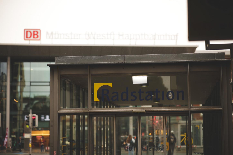 Radstation am Hauptbahnhof Münster, von der Windthorststraße aus gesehen. Foto: A. Hasenkamp