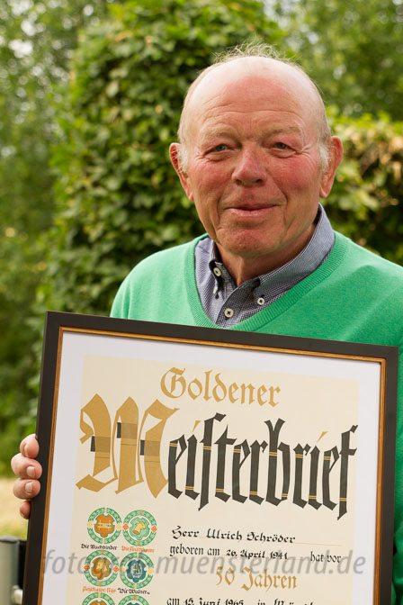 Ulrich Schröder erhält Goldenen Meisterbrief des Lackierer-Handwerks