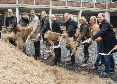 1. Spatenstich für neue Schul-Mensa der Gesamtschule Münster