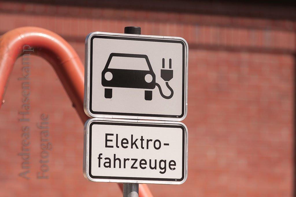 Straßenschild Elektrofahrzeuge