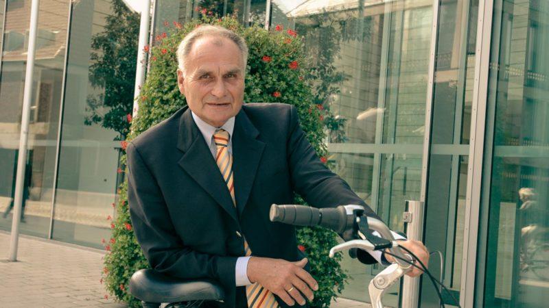 Dr. Jörg Twenhöven, Regierungspräsident a. D. (1995 bis 2007) wird am kommenden Sonntag (18. Juli) 80 Jahre alt.