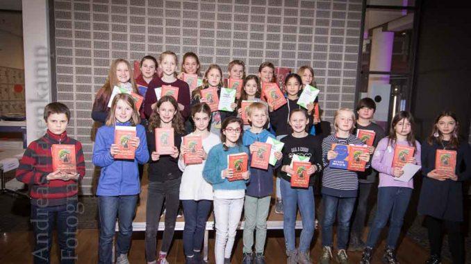 Vorlesewettbewerb in der Stadtbücherei Münster: Paulinum und Schiller siegen