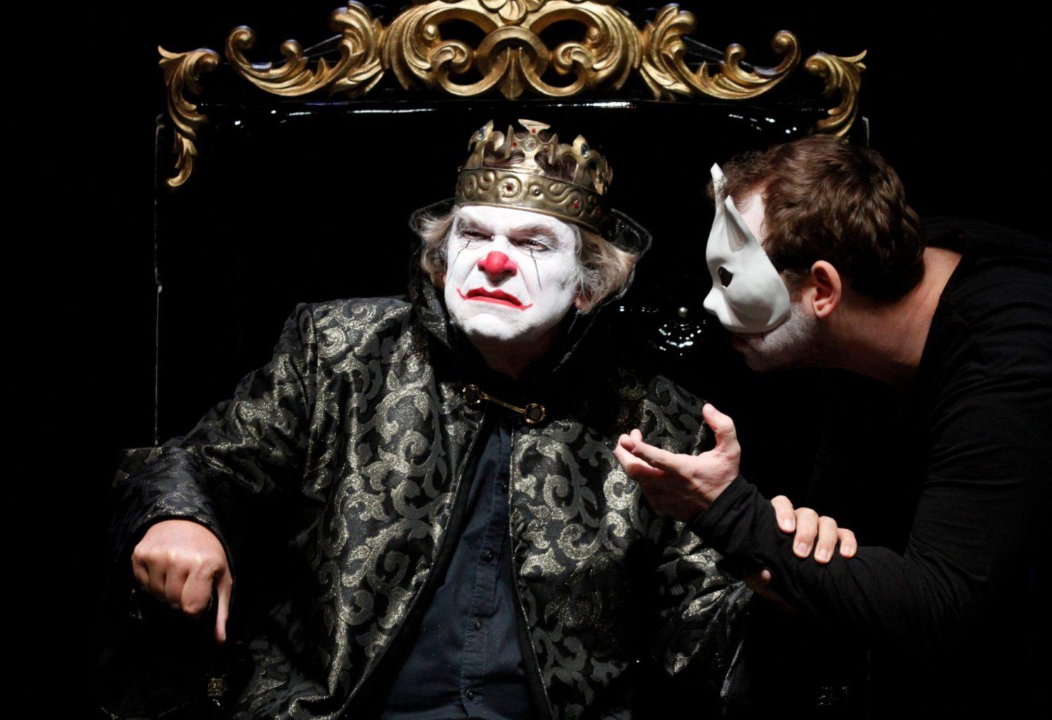 """Theater bringt """"Der König lacht"""" zu seinen Zuschauern – daheim"""