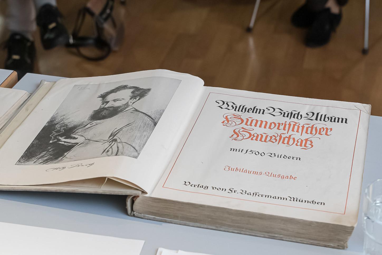 """WIlhelm Busch - Albrum """"Humoristischer Hausschatz"""" mit 1500 Bildern - die Jubiläumsausgabe."""