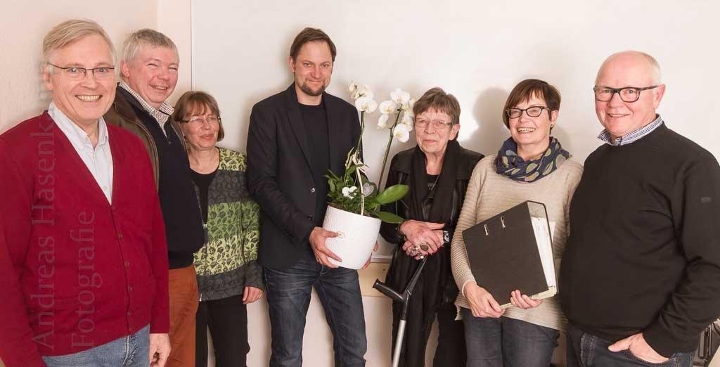 Im Vorstand arbeiten nun Georg Rölver (v.l.), Martin Peitzmeier, Dorothea Erhardt, Christoph Roer, Ingrid Sieverding, Irmgard Beilmann-Roer und Peter Roer. Foto: A. Hasenkamp, Fotograf in Münster.