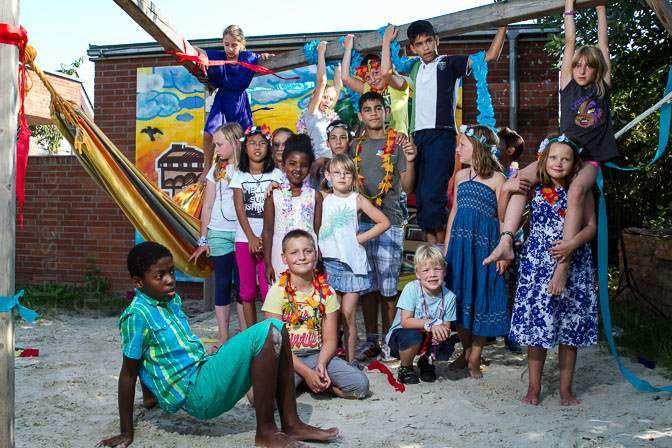 Beach-Party beendet Sommerferien-Programm im BauSpielTreff Holtrode 2015