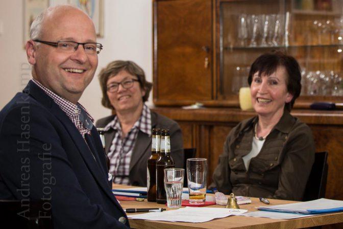 Rainer Mertens, die Kreisvorsitzende Anna Mazulewitsch-Boos un das Ehepaar Camens. Foto: A. Hasenkamp, Fotograf in Münster.