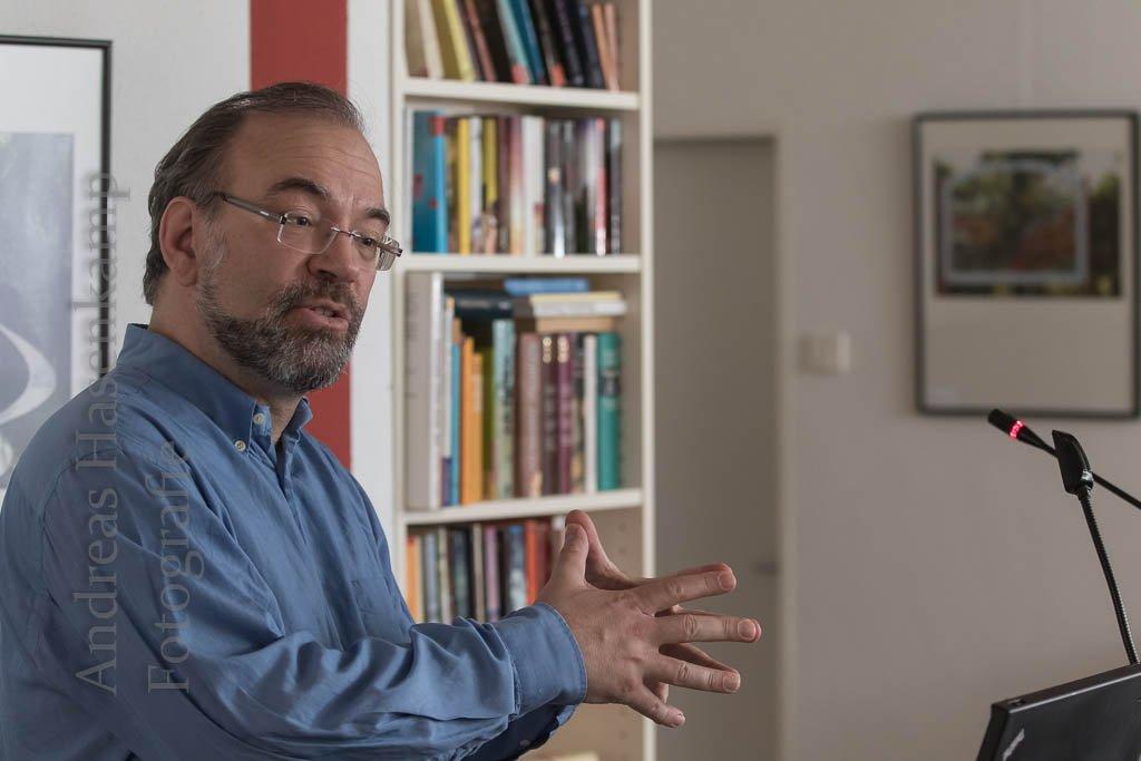 Karikaturist erzählt aus seiner Arbeit Arndt Zinkant bietet tiefe Einblicke beim Vortrag beim Ortsverein Wolbeck der AWO