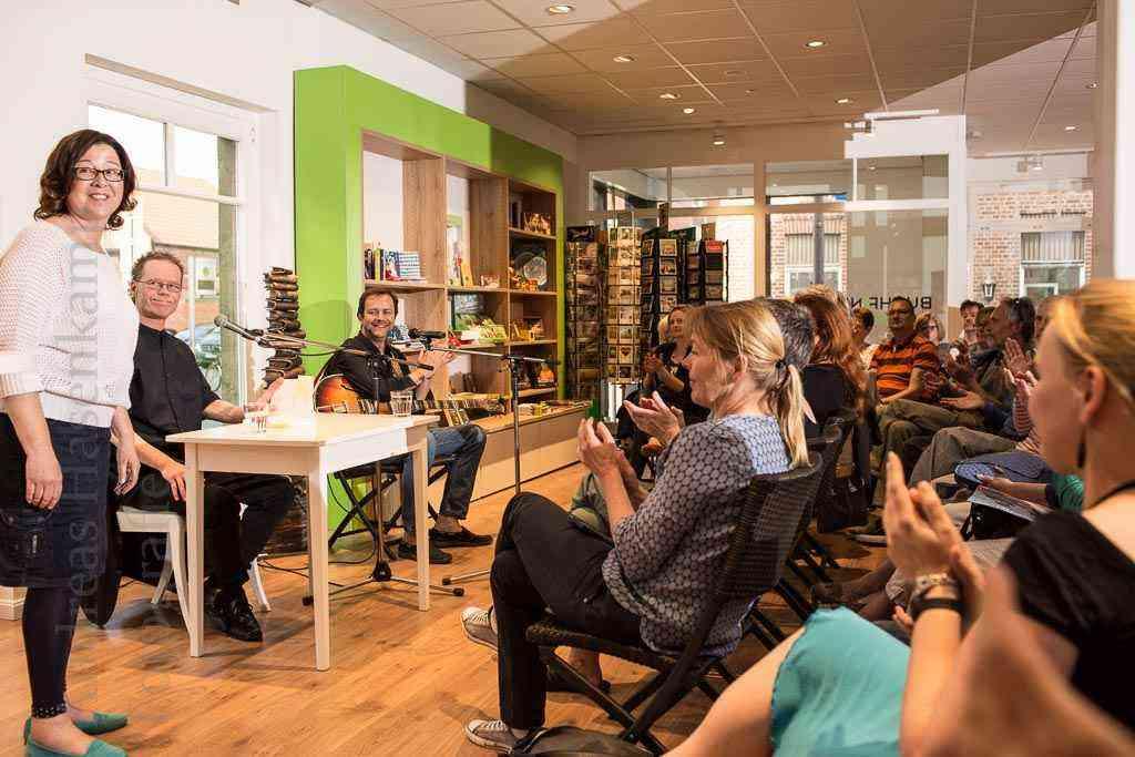 """Lesungs-Premiere in Wolbecker Buchhandlung """"Buchfink"""" 1"""