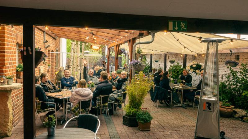 Freundliche Begrüßung in der Gaststätte Kiepe in Münster-Wolbeck. Foto: A. Hasenkamp