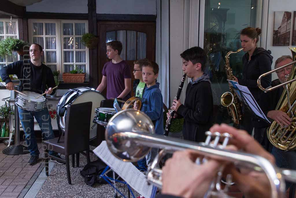 "Mit Samba und ""Marching Band"""