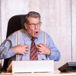 Unerwartet doppelt gefeuert: Peter Eixler inszeniert Lebenskrise