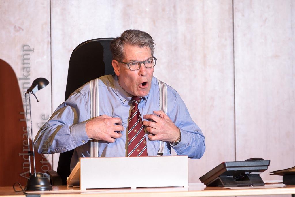 Unerwartet doppelt gefeuert: Peter Eixler inszeniert Lebenskrise 2
