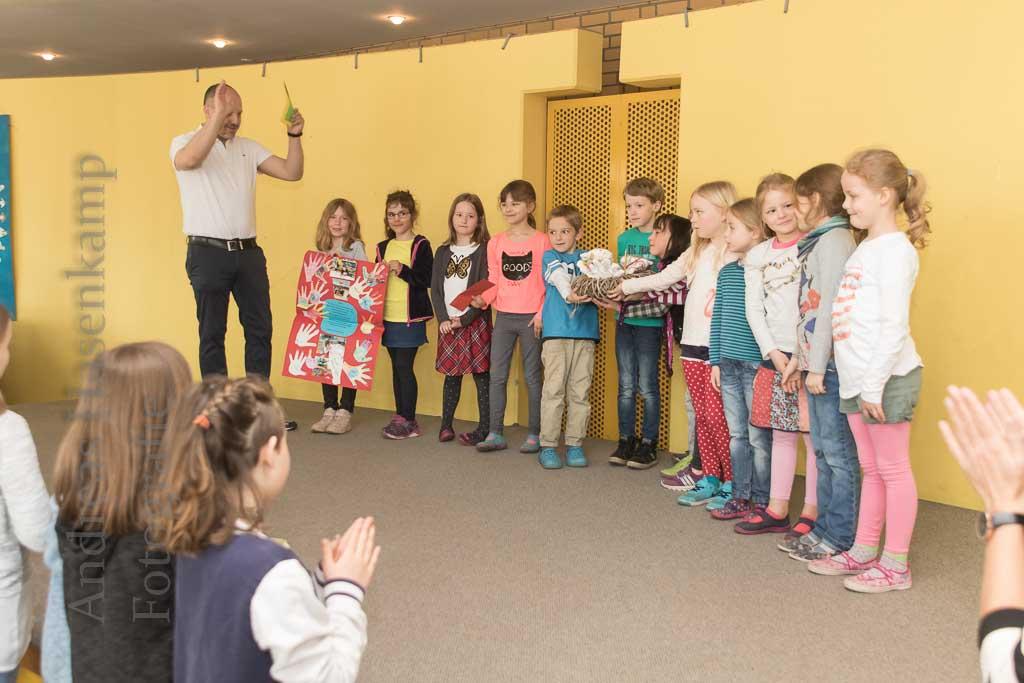 Nikolai-Grundschüler begeistert beim Mal-Wettbewerb zu Händen 5