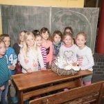 Nikolai-Grundschüler begeistert beim Mal-Wettbewerb zu Händen 6