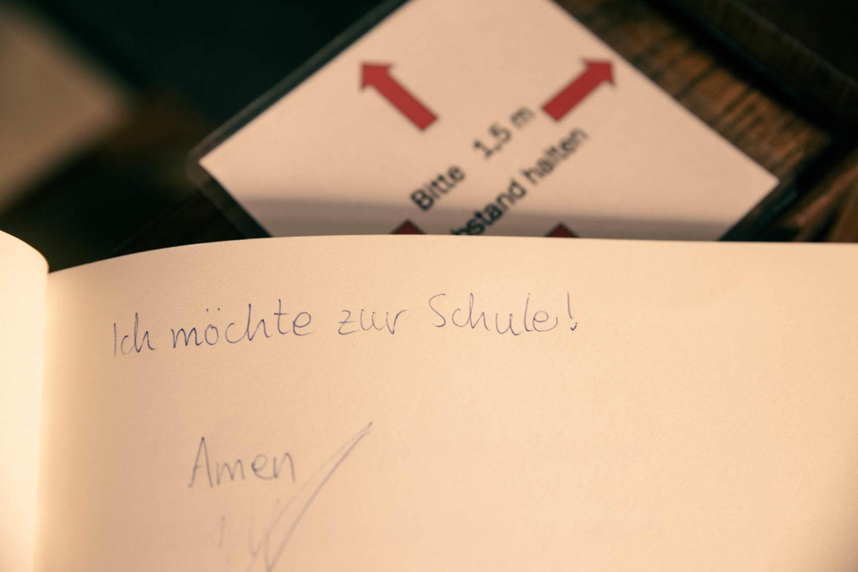 """Antonius-Kapelle in Wolbeck  - Corona und Bitten wie """"Ich möchte wieder in die Schule""""."""