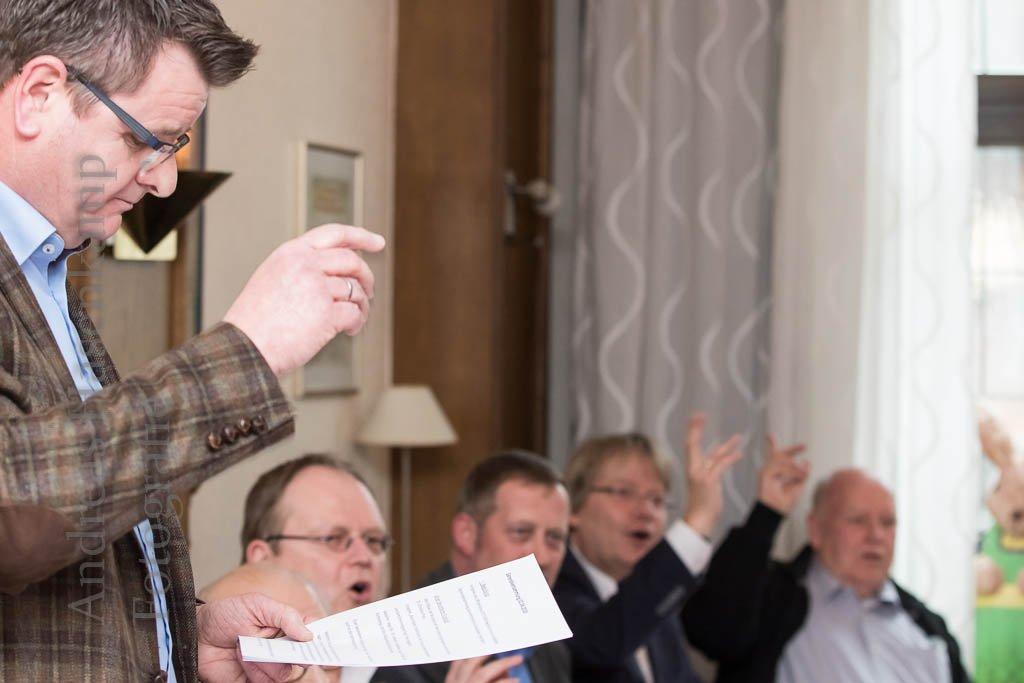 Generalversammlung:  St. Achatius-Nikolai Bruderschaft debattiert auch Traditionen Spaß beim Vogelschießen und im Festzelt: Einladung an alle Interessierten, auch Neubürger