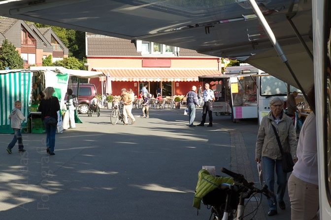 Eine wöchentliche Einkaufsmöglichkeit in Münster-Wolbeck - der Wochenmarkt auf dem Marktplatz