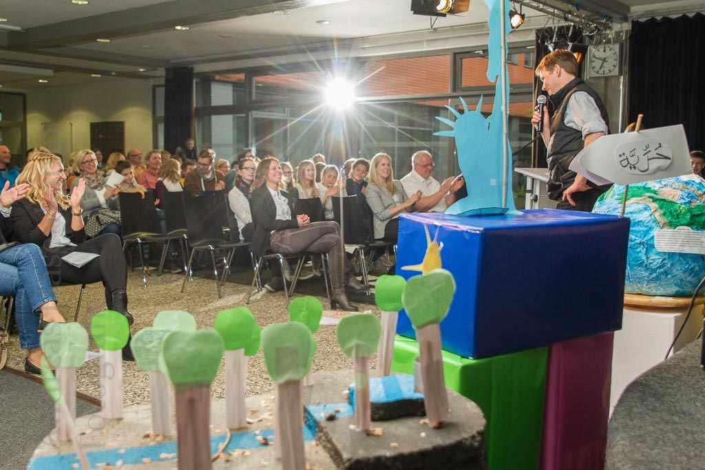 """Dem Begriff der Freiheit nachgespürt Juroren loben Arbeit der Schüler der Realschule Wolbeck beim Wettbewerb """"Schule mit Köpfchen"""""""