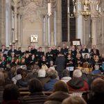 """Kirchenchor St. Nikolaus und Ensemble TonArt meistern """"Passion"""" von Müller"""